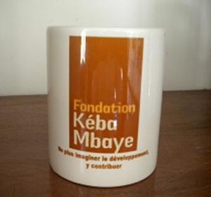 MUG avec logo Fondation Kéba Mbaye : 6 000 F CFA